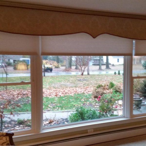 Cornice installed in living room in Coatesville, PA
