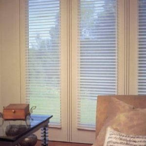 Sheer horizontal blind